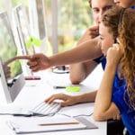 Callcenter Optimierung - Beitragsbild Banner Call-Center Optimierung Online Check - Callcenter Team bei der Arbeit