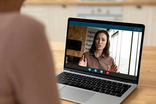 Customer Experience Beratung - Beitragsbild Warum CX Beratung? - Videokonferenz
