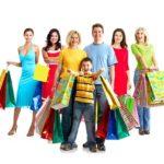 Customer Journey - Beitragsbild Unterschied zu Buyer's Journey - Familie beim Shoppen / Einkaufen