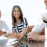 Karriere und Stellenangebote - Beitragsbild Banner Unser Team - Teamarbeit Unternehmensberater