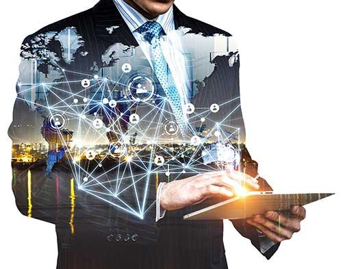 Kundenbefragung - Beitragsbild - Das Rundum-Paket: Kundenbefragung as a Service - Mann Netzwerk Tablet