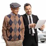 Net Promoter Score® (NPS) – Konzept - Beitragsbild - Für B2B und B2C - Autoverkäufer mit Vertrag für ein Käufer