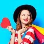 NICE Satmetrix CEM - Beitragsbild Kundenfeedback erfassen - Frau mit Einkaufstasche