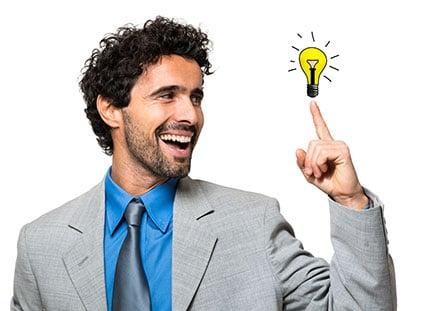 NPS Software - Beitragsbild - Kommen Sie Ihren Kunden näher - Mann mit einer Idee