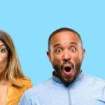 Sprachanalyse – Effizienz Online-Rechner - Titelbild - erstaunte Mitarbeiter